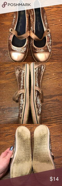 Juicy Couture Rose Gold Sequin Sneaker Flats Have lots of wear, such as scuffing, rubbing and marks all around the shoes. Still has lots of life left! These are sold as is, so please inspect all photos! Thank you for looking!  🌼I ship within 2 days shipping excluding holidays 🌼I do not trade! 🌼I only accept offers through the offer button! 🌼Thank you for shopping and feel free to ask any questions! 🚭Smoke free home! Juicy Couture Shoes Sneakers