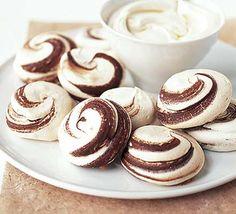 Chocolate marble meringues