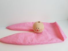 51 Easter Crafts for Kids Easter Projects, Easter Crafts For Kids, Bunny Crafts, Spring Crafts, Easter Bunny, Sewing Projects, Gift Wrapping, Fabric, Handmade