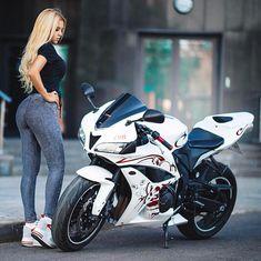 Yamaha Bikes And Beauiful Girls Motos Yamaha, Yamaha Bikes, Honda Motorcycles, Vintage Motorcycles, Motorbike Girl, Motorcycle Bike, Women Motorcycle, Lady Biker, Biker Girl
