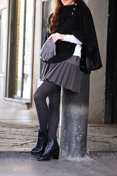#dasynka #blog #inspiration #fashion #blogger #travel #globetrotter #shooting #model #italy #influencer #instagram #naples #long #hair #sweater #boots #casual #street #style #girl #beautiful #lookbook #skirt #grey #cape #mantle #hat #gloves #accessories #