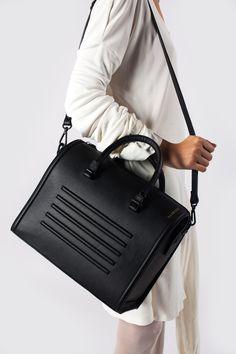Black real leather stylish shoulder bag satchel - Bagology