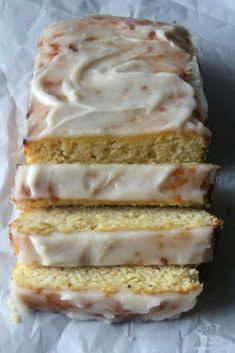 Lemon Bread (Gluten-free, paleo) - This sweet and tangy lemon bread with vanilla glaze is made with wholesome ingredients, and I've been told by a certain Starbucks Lemon Loaf lover that's it's just as satisfying as store-bought. Gluten Free Baking, Gluten Free Desserts, Healthy Desserts, Healthy Recipes, Healthy Breads, Diabetic Snacks, Quick Recipes, Gluten Free Recipes, Bread Recipes