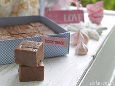 Hjemmelaget sjokoladefudge Love Home, Container, Vegetarian, Homemade, Snacks, Food, Appetizers, Home Made, Diy Crafts