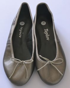 Beautiful leather ballet pumps Handmade with love from Cape Town. Made from genuine leather. Cape Town, Chanel Ballet Flats, Pumps, Leather, Handmade, Beautiful, Shoes, Fashion, Moda