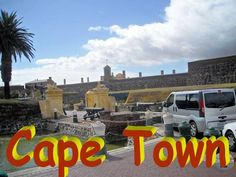 """Vizităm cartierul Bo-Kaap (în afrikaans înseamnă """"deasupra Capului"""" iar numele se referă la faptul că acest cartier este aşezat pe pantele de pe Signal Hill, mai sus de căuşul oraşului numit City Bowl) cartierul malaezian plin de culoare"""