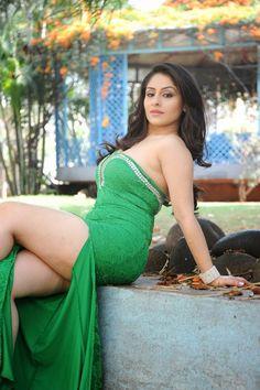 Anita Sharma hot thighs show collection