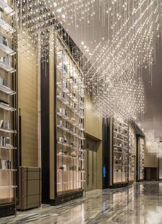 Imperial is the most expensive and most expensive intercontinental new benchmark - Beijing Sanlitun InterContinental Hotel Ceiling Design, Lamp Design, Lighting Design, Lighting Ideas, Hotel Lobby, Luxury Home Decor, Luxury Interior, Interior Design, Blitz Design