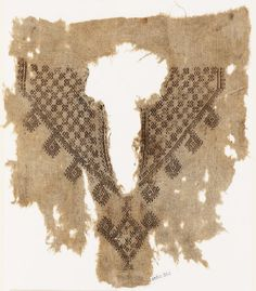 Fragment from the neck opening of a tunic with crosses and diamond-shapes Egypt Mamluk Period - Material and technique linen, embroidered with pink silk and brown thread, possibly cotton; remains of lining; with stitching in flax Anglo Saxon Clothing, Medieval Clothing, Textiles, Ancient Art, Ancient Egypt, Middle Eastern Clothing, Medieval Embroidery, Ottoman, Historical Art