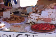 Ensaimadas e tortas na feira de Santa María del Camí - Isla de Mallorca - Espanha