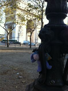 Peek-a-boo  in Paris
