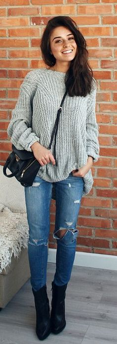 Fall fashion | Oversize grey sweater, denim and ankle boots