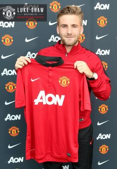"Manchester United has completed the signing of Luke Shaw from Southampton on a four-year contract, with an option for a further year. ""I am looking forward to learning from the world-class players and management at the club,"" ♥ Luke Shaw, Kun Aguero, Image Foot, Manchester United Players, International Football, England International, English Premier League, Professional Football, Man United"