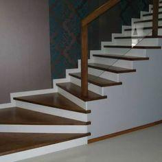 """Résultat de recherche d'images pour """"schody drewniane"""" Images, Stairs, Architecture, Home Decor, House Decorations, Modern Staircase, Searching, Home, Arquitetura"""