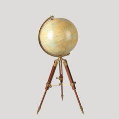 Globo Terráqueo en trípode IV6 (altura máxima 1,20 cms.)