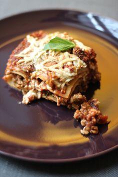 Tempeh Sausage & Artichoke Lasagna /by Meet the Shannons #vegan #recipe