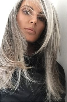 Annika von Holdt, real gray hair