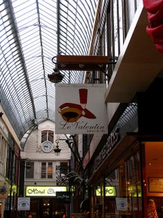 Shop signs, Passage Jouffroy, Paris, Paris | Flickr: Intercambio de fotos