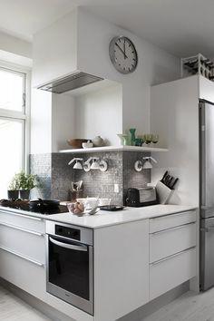Rational transcribed bold kitchen styles find here Design Room, Küchen Design, Home Design, Kitchen Interior, New Kitchen, Kitchen Decor, Kitchen Wrap, Kitchen Corner, Bright Kitchens