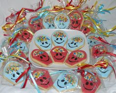 "Bucket of Happiness Cookies: Great for celebrating the end of a unit.  Check out the book by Carol McCloud ""Have You Filled a Bucket Today?"""