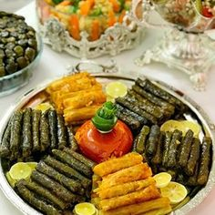 Image may contain: food Source by Iranian Cuisine, Party Food Platters, Food Carving, Quick Healthy Breakfast, Good Foods To Eat, Food Decoration, Turkish Recipes, Food Humor, Food Presentation