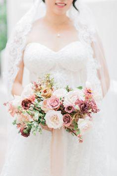 Modern & Elegant Spr Modern & Elegant Spring Wedding at Vibiana in Los Angeles Wedding Attire, Chic Wedding, Elegant Wedding, Floral Wedding, Wedding Colors, Wedding Ideas, Wedding Photos, Paris Wedding, Rose Wedding