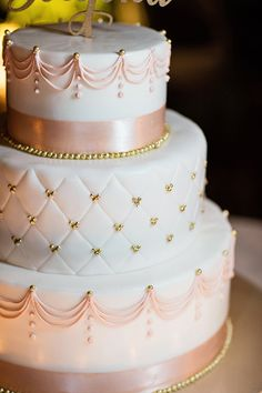 Pink Wedding Cakes This Disneyland wedding cake is pretty in blush. White Wedding Cakes, Elegant Wedding Cakes, Beautiful Wedding Cakes, Wedding Cake Designs, Beautiful Cakes, Amazing Cakes, 16 Cake, Cupcake Cakes, Quinceanera Cakes