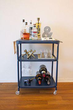 Repurposed old office cart - found for ten bucks at a garage sale - DIY Rolling Bar Cart Metal Bar Cart, Rolling Bar Cart, Diy Bar Cart, Gold Bar Cart, Bar Cart Styling, Bar Cart Decor, Drink Cart, Beverage Cart, Bar Furniture