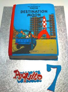 Tintin Destination Moon birthday cake • Tintin gateaux 7th Birthday Cakes, Fancy Cakes, Cake Ideas, Fondant, Cake Decorating, Birthdays, Cooking Recipes, Party Ideas, Moon