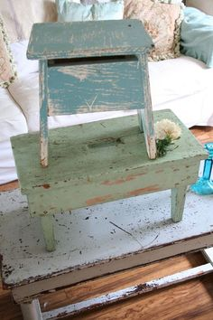 i love chippy paint .. but i want it to stay clean.. love these!