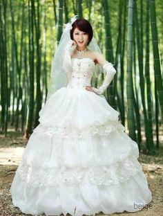 Amazon.co.jp: 3段バルーンレースウエディングドレス: 服&ファッション小物