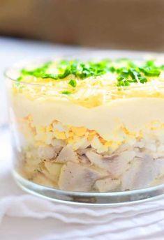 Tatar ze śledzi z gorczycą i pierzynką z kwaśnej śmietany Polish Recipes, Polish Food, Bon Appetit, Mashed Potatoes, Food And Drink, Appetizers, Cooking Recipes, Pudding, Dishes