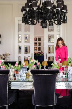 How to create a lovely table setting for the perfect ladies lunch. Styling by Ali Rabbani, Photo by Stefan Gergely for Falstaff LIVING. Ladies Lunch, Perfect Woman, Ali, Highlights, Table Settings, Table Decorations, Tableware, Furniture, Home Decor