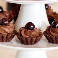 Košíčky s lahodnou pěnou Christmas Sweets, Christmas Baking, Mini Cakes, Cupcake Cakes, No Bake Desserts, Dessert Recipes, Cake Recept, Sweet Bar, Czech Recipes