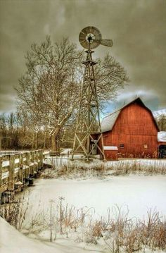 Reminded of my Oklahoma grandparents' red barn & windmill out beyond the garage, chicken coop & silos. Farm Barn, Old Farm, Country Barns, Country Life, Cross Country, Country Roads, Country Living, Barn Living, Big Country