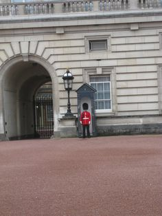 Buckingham Palace in London, Greater London...standing still