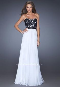 We are in love with this daring and beautiful La Femme 20068 gown! This  dress has a sweetheart neckline 2f8e16fd9