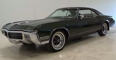 Here is a 1968  Buick Riviera – Beautiful American classic car that makes many people smile every time they see one. Check out the video