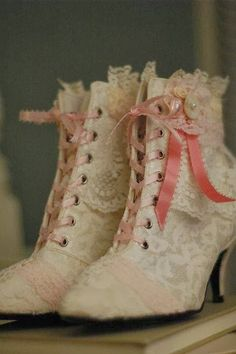 shoes boots heels lace wedding wedding shoes lace ups pink pretty pink and white beautiful Accessories marie antoinette rococo historical cosplay costume dressing up fashion old fashioned rococo shoes unique one of a kind outfit beauty Vintage Dresses, Vintage Outfits, Vintage Fashion, Vintage Boots, 1930s Fashion, Vintage Purses, Floral Dresses, Victorian Fashion, Cute Shoes