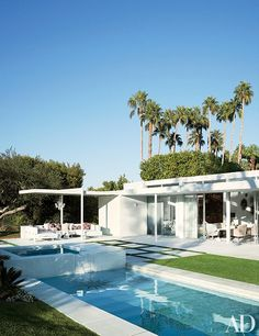 12 California Homes Designed for Indoor-Outdoor Living - Architectural Digest Palm Springs Häuser, Palm Springs Style, Casas California, California Homes, California Vacation, California Living, California Garden, Southern California, Moderne Pools