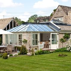 Hardwood conservatory | Country conservatory ideas | Conservatory | PHOTO GALLERY | Country Homes and Interiors | Housetohome.co.uk