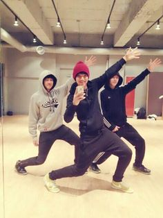 Mingyu, Wonwoo and Hansol. members of Seventeen (Pledis boy group)