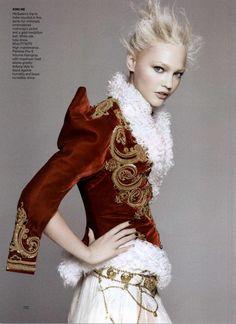 Gothic Romance Vogue 2008