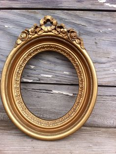 vintage gold frame / oval frame / retro picture by OneLuckyWeed, $14.95