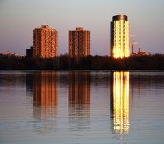 Cityscape by Claude Charbonneau on Reflection, Urban, Explore, Photography, Photograph, Fotografie, Photoshoot, Fotografia, Exploring