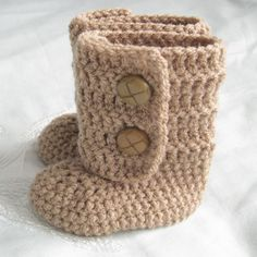 crochet baby boots... My mom might be able to make these someday... :)