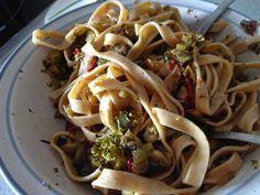 La chica de las recetas: Pasta fresca 100% espelta (semi-integral) con sofrito de verduras
