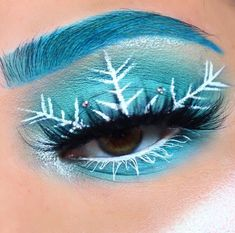 Awesome CHRISTMAS MAKEUP Tips for New Year Eye Makeup And More for 2019 Part christmas makeup; christmas makeup looks; christmas makeup ideas looks Colorful Eye Makeup, Eye Makeup Art, Cute Makeup, Makeup Inspo, Makeup Ideas, Awesome Makeup, Gorgeous Makeup, Weihnachten Make-up, Festival Eye Makeup