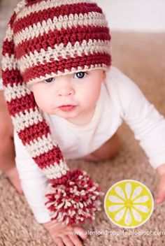Crochet Hats Baby Long Tail Stripey Elf Hat Free Crochet Pattern - This Elf Hat is not only adorable, but also keeps baby's head warm. It's not too late to crochet one with the Baby Elf Hat Free Crochet Pattern. Bonnet Crochet, Crochet Diy, Crochet Gratis, Crochet Beanie, Crochet For Kids, Crotchet, Crochet Santa Hat, Crochet Christmas Hats, Crocheted Hats