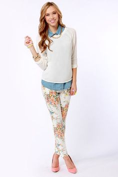 Check it out from Lulus.com! If you turn to LuLu*s to seek professional help for your wardrobe, you'll be happy to know about the Billabong Seeker White Floral Print Skinny Jeans! Stretchy white twill has dabs of peach, orange, green, and blue in an artful floral pattern, plus a five-pocket cut, and skinny tapered legs with 4